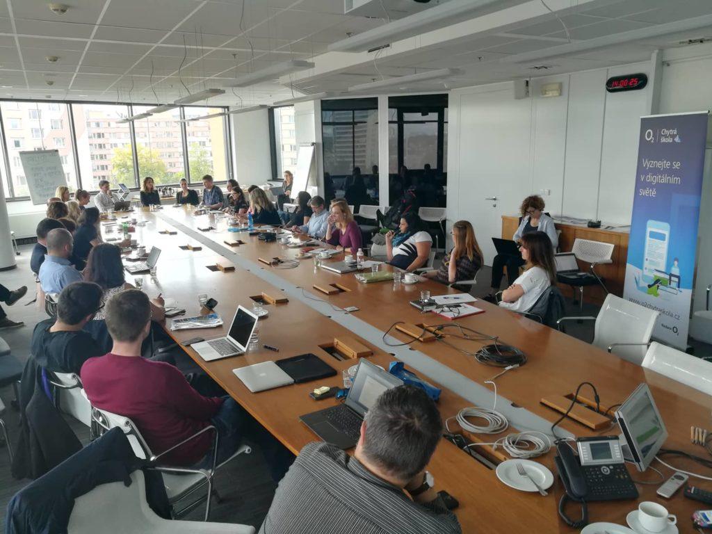 Zástupci ZŠ Úvaly při plánování strategie vzdělávání v sídle Nadace O²